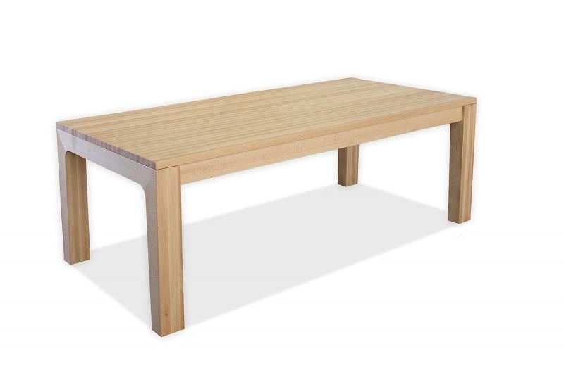 Jedilna miza iz masivnega bukovega lesa
